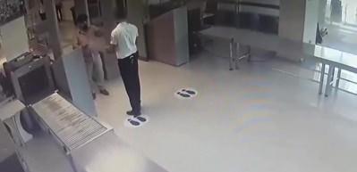Uyuşturucuyla uçağa binmek isterken yakalandı