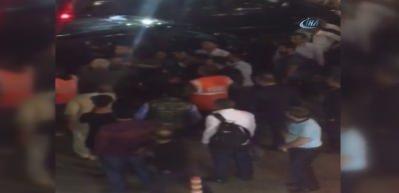 Havalimanı'nda UBER sürücüne ve yolculara tekme ve yumruklu saldırı kamerada