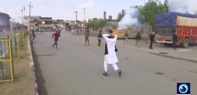 Hindistan'da Müslümanlara saldırı! 1 ölü, 16 yaralı
