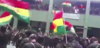 Bolivya'da hükümet karşıtı protestolara polis de destek verdi