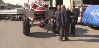 Hurda otomobil parçalarından 'buggy' tipi arazi aracı yaptı