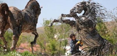 Hurdadan sanat eserine! 5 bin parçayı bir araya getirip yaptı