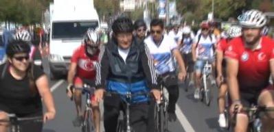 İBB'nin desteğiyle 42 km pedal çevirdiler!