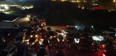 İdlib şehitleri için 300 araçlık konvoy