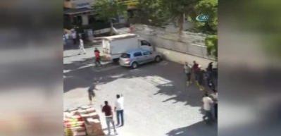 İnşaat işçileri ile esnafın taşlı sopalı kavgası kamerada