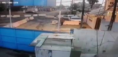 İntihar saldırısı girişimi güvenlik kamerasında