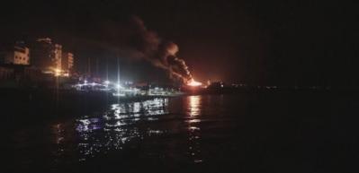 İsrail, Gazze limanındaki bir tekneyi vurdu