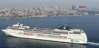 İstanbul'a 2 bin yolculu dev kruvaziyer geldi!