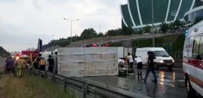 İstanbul'da 8 araç birbirine girdi: Yaralılar var