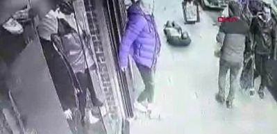 İstanbul'da dehşet dolu dakikalar: Kameralar anbean kaydetti