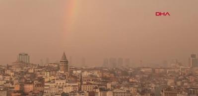 İstanbul'da gökkuşağı eşliğinde muhteşem gün batımı
