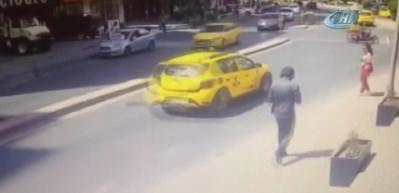 Kadının kafatasının kırıldığı feci kaza kamerada