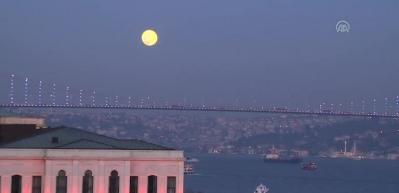 "İstanbul'da ""Süper Ay"""
