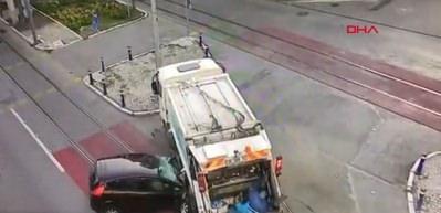 İzmir'de korkunç kaza kamerada! 2 ölü