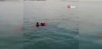 Kadıköy'de buz gibi suya atlayıp genç kızı kurtardı