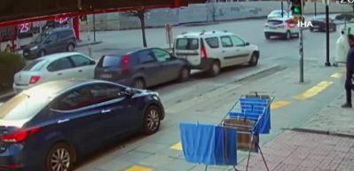 Kadın sürücü çarptığı aracın sürücüsünü tekme tokat dövdü
