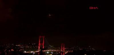'Kanlı ay' İstanbul semalarında!