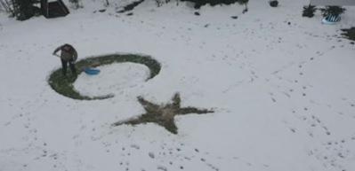 Kar üzerinde ay-yıldız yapınca sosyal medya yıkıldı