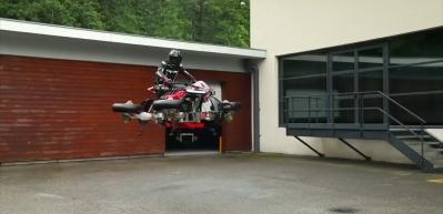 Karada ve havada gidebilen motosiklet