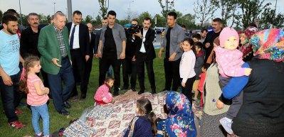 Karşılarında bir anda Erdoğan'ı görünce şoke oldular