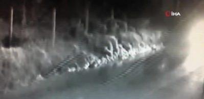 Kartal'da defalarca takla atan araçtan inanılmaz kurtuluş kamerada