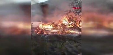 Kastamonu'da 9 ev, 1 ahır yandı