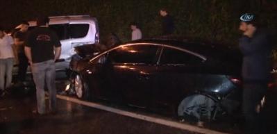 Kaza sonrası alev alan aracı TOMA söndürdü