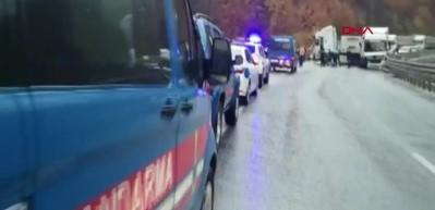 Kaza sonrası Bursa-Ankara Karayolu trafiğe kapandı