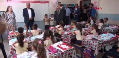 Kilis'te, 62 bin Türk ve Suriyeli öğrenci ders başı yaptı
