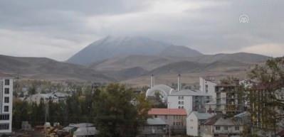 Kösedağ'a mevsimin ilk karı yağdı