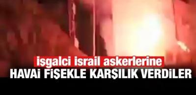 Kudüs'te baskın yapan Yahudilere havai fişekli karşılık