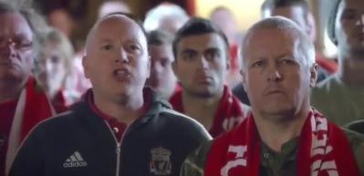 Liverpool taraftarı Türkçe şarkı seslendirdi