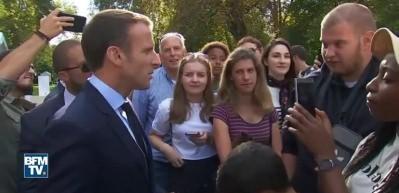 Macron vatandaşı azarladı: Yolun karşısına geçsem bulurum