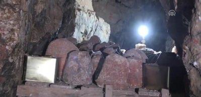 Mağarada saklanıyor! Karaman'da Divle Obruk...