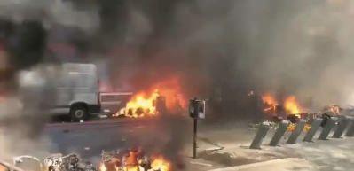 Marketleri yağmaladılar! 'Macron ödesin' dediler