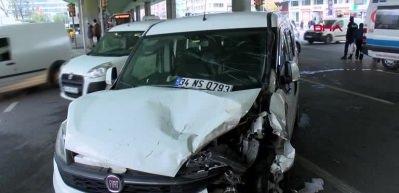 Mecidiyeköy'de trafiği kilitleyen kaza