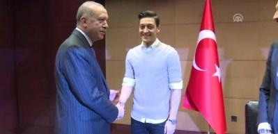 Mesut Özil, İlkay Gündoğan ve Cenk Tosun, başkan Erdoğan'ı ziyaret etti