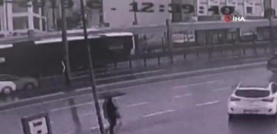Metrobüs kazası kamerada!