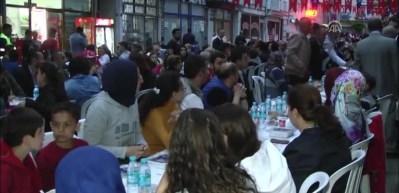 Mevlüt Uysal, Silivri'de iftar yaptı