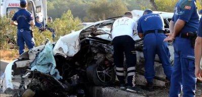 Milas-Bodrum karayolunda katliam gibi kaza: 2 ölü, 23 yaralı