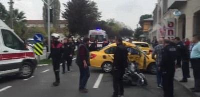 Motorize yunus ekipleri ile taksi çarpıştı: 3 yaralı