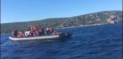 Motoru bozulan lastik bottaki kaçaklar milli sporcu sayesinde kurtarıldı