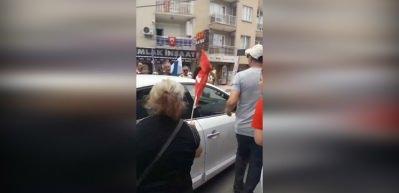 Muharrem İnce kışkırttı, CHP'liler TRT aracına saldırdı