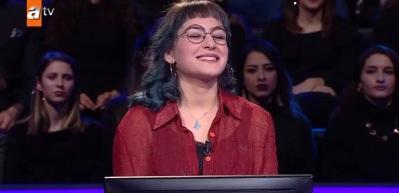 Murat Yıldırım yarışmacının gözlüğünü fark edince ne diyeceğini şaşırdı
