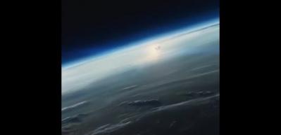 Musk'ın otomobili uzaya uçuyor