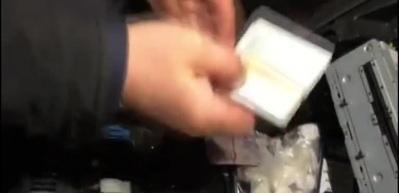 Polis uyuşturucu satıcısını ateş ederek durdurdu