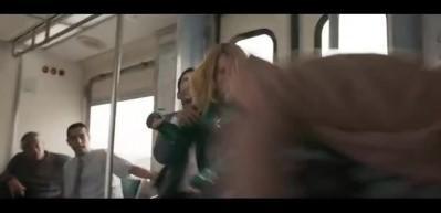 Gerilim Captain Marvel'i vurdu