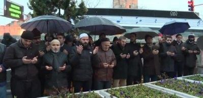 Necmettin Erbakan, mezarı başında anıldı