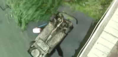 Nehre düşen aileyi, vatandaş böyle kurtardı