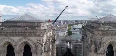 Notre Dame Katedrali havadan görüntülendi
